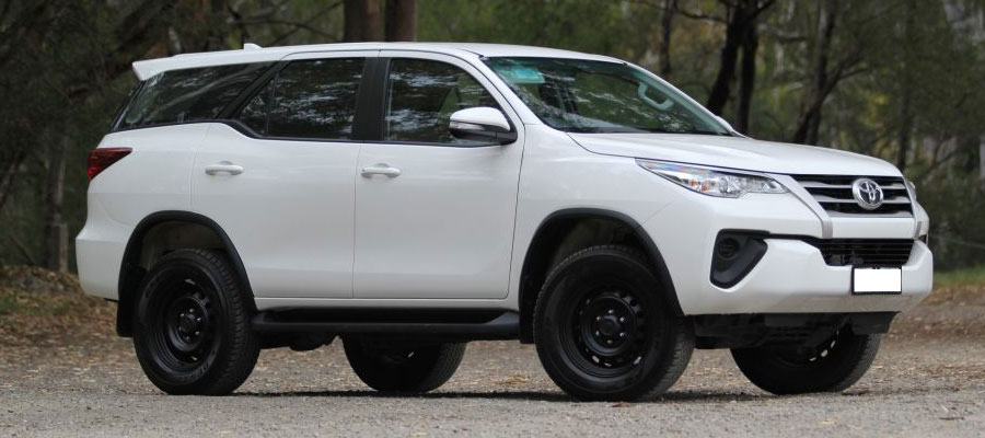 fortuner on hire in Malad